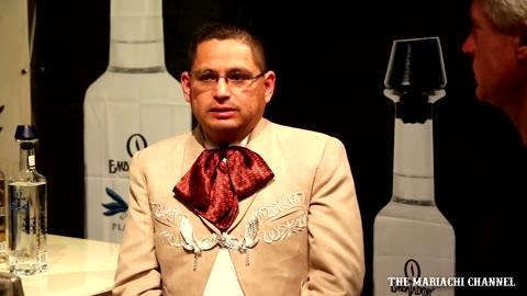 Entrevista   EDUARDO CERNA de Mariachi Nuevo Tecalitlan con Jonathan Clark - Mariachi Channel