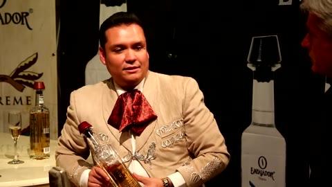 Entrevista   EDWIN ORIGEL   de Mariachi Nuevo Tecalitlan con Jonathan Clark - Mariachi Channel