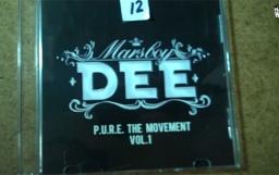 И ето кой грабна диска на Dee...
