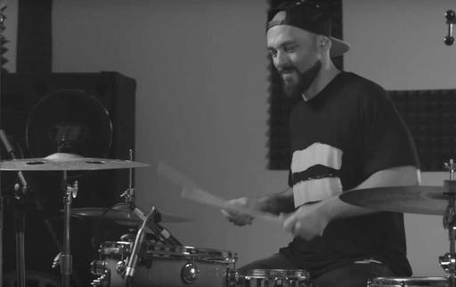 rosen_vatev_na_barabanite_za_remiks_na_poroci__Studio_Live