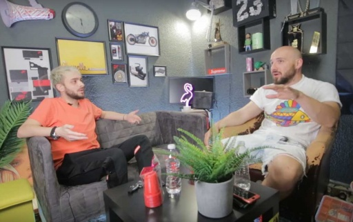 Bashmotion и Криско разговарят в гаража
