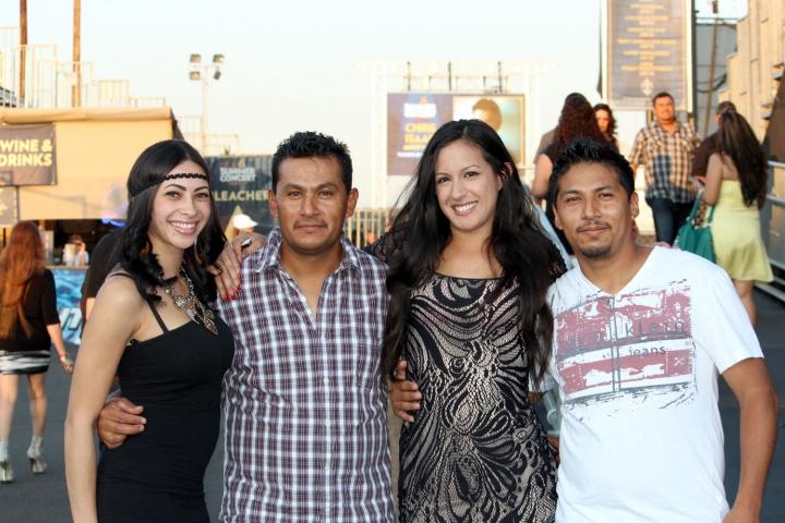 Larry Hernandez Fans